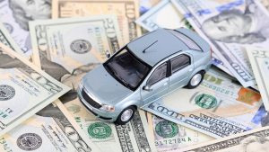 Should You Pay for Your Car Insurance Yearly or Monthly?
