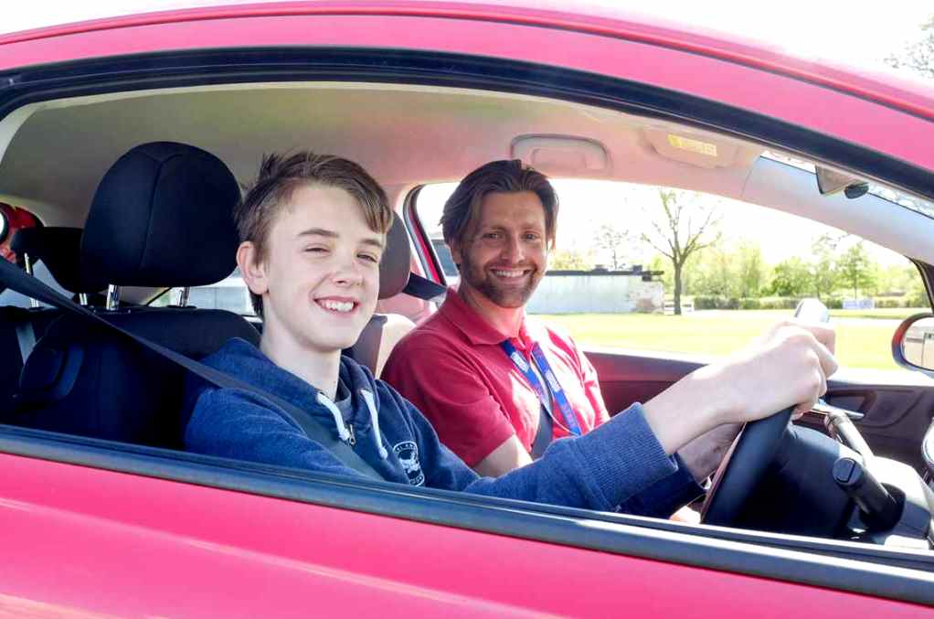 7 Reasons Why Car Insurance is More Expensive for Young ...